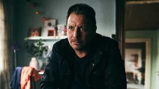 Anders W. Berthelsen har tidligere medvirket i populære serier som 'Taxa', 'Krøniken' og 'Forbrydelsen'. Til efteråret spiller han hovedrollen i TV2-serien 'DNA'.