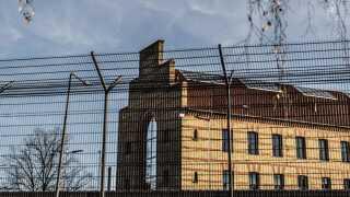 I alt 18 personer, der har siddet varetægtsfængslet, er løsladt som konsekvens af politiets fejlbehæftede it-system, der behandler teleoplysninger.