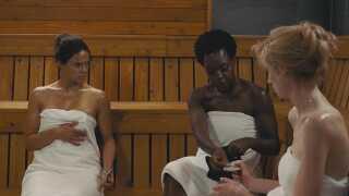 I de kvindelige hovedroller ses (fra venstre) Michelle Rodriguez, Viola Davis og Elizabeth Debicki.