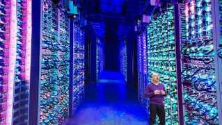 Google viste billeder af de servere, der skal rumme spiltjenesten på en konference tirsdag.