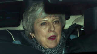 Theresa May på vej hjem efter dagens brexit-møder.
