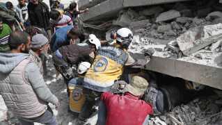 Angrebene i det nordvestlige Syrien er taget voldsomt til i løbet af de seneste dage, oplyser Det Syriske Observatorium for Menneskerettigheder, der overvåger krigens gang fra Storbritannien.