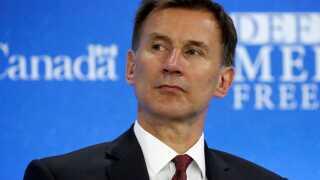 Udenrigsminister Jeremy Hunt ser sig selv som den seriøse og troværdige kandidat til premierministerposten.