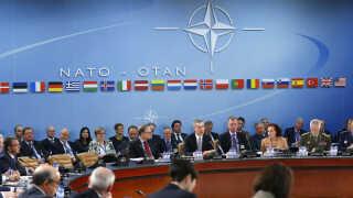 Situationen i Syrien er på dagsordenen, når Nato-landenes forsvarsministre mødes torsdag og fredag.