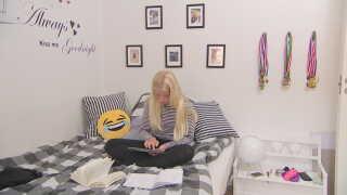App'en der hjælper Frederikke Birk Pedersen med at stave, er installeret på hendes ipad.