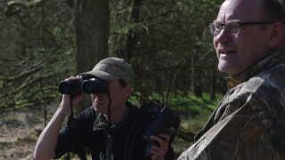Ulla Pipaluk Zobbe monitorerer ulve, og Lars Lorentsen har været med for at tage billeder mindst 20 gange.