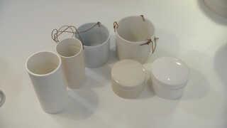 Her er de tre varer, som Anne Black så i Nettos katalog - ved siden af hendes eget design.