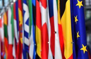 Alle EU's 28 medlemslande vil gerne have en bid af kagen, når topposterne skal fordeles. Og det kan ramme Manfred Weber.