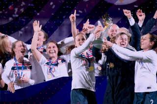 Det norske landshold har kvalificeret sig til VM uden Ada Hegerberg. Og det virker ikke til, at verdens bedste foreløbigt trækker i nationaldragten.