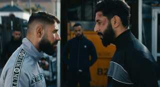 Dulfi Al-Jabouri spiller blandt andet overfor Ali Sivandi (tv.) i 'Bedrag'. Det er i øvrigt ikke første gang - de spillede også sammen i 'Underverden'.