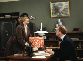 I 'Matador' spillede Jesper Langberg Kristen Andersen-Skjern, der var direktør for Omegnsbanken, og Jesper Langberg spillede med i samtlige afsnit fra afsnit 4 til 24 - men med varierende damebekendtskaber. Her er det Ulla Henningsen som Iben Skjold Hansen.