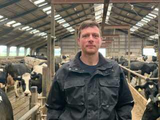 Landmand Søren Kaae fra Frederikshavn havde problemer med uønsket strøm i sin stald.