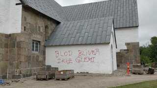 Hærværk i Ulfborg, hvor den 66-årige mand, der skød en ulv, bor.