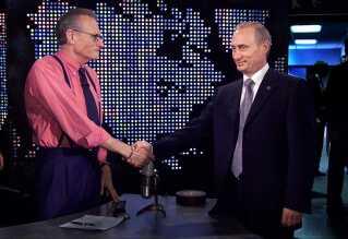 Den russiske præsident, Vladimir Putin, sad til et timelangt interview med journalisten Larry King i New York i USA.