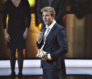 René Holten Poulsen fik for sine præstationer i 2015 BT Guld og blev kåret som Årets Sportsnavn. Her er han ved prisoverrækkelsen i Herning.
