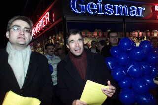Søren Pind og Anders Fogh fører her fælles valgkamp i 2001. Senere bankede Fogh 10 teser fra Pind ned.