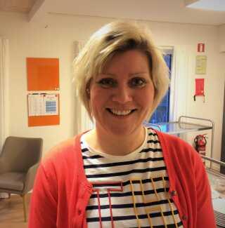 Plejehjemsleder Marianne Sarkov er glad for de studerendes hjælp.