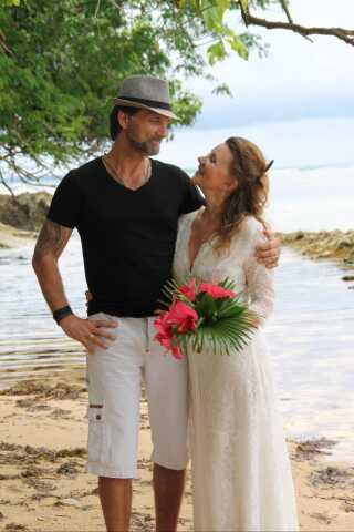 dating yngre og ældre hookup bar og restaurant costa rica