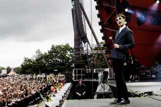 Fire år efter Vinnie Who's Roskilde debut på Pavillion Junior, åbnede de Roskilde Festival torsdag d. 4. juli 2013. (Foto: Kasper Palsnov/Scanpix)