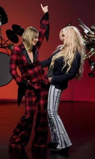 Stemningen mellem Lina Rafn og Sanne Salomonsen er god, og de to musikere nyder da også stor respekt for hinanden.