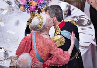 Dronning Margrethe og Kronprins Frederik efter dronningens tale.(Foto: Henning Bagger/Ritzau Scanpix)