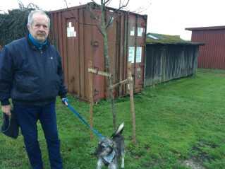 Ole Jensen fra Kalvehave er ikke vild med tanken om et udrejsecenter på Lindholm. Han håber dog, at politikerne når at ombestemme sig omkring placeringen.