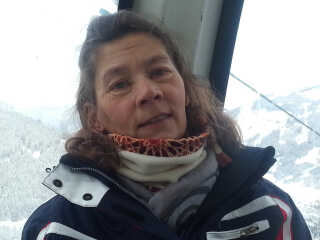 Lone Serwin var et aktivt friluftsmenneske, der dyrkede hundesporten agility og stod på ski. Akuttelefonen 1813 fik kritik i sagen om hendes død.