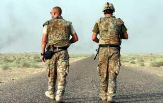 De danske styrker i Irak. Her en dansk militærkonvoj på landevejen.