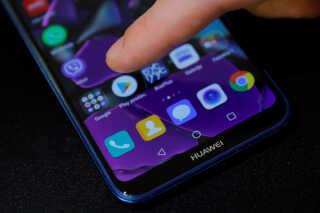 Med de to firmaers skilsmisse, så skal man som forbruger ikke regne med at kunne trykke på Google Play appen, som det er tilfældet her på billedet.
