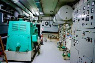 """Når krisen kom, og man lukkede af fra omverdenen for at være """"neddykket"""", skulle elektriciteten komme fra to store dieselgeneratorer. I årtier er de blevet konstant afprøvet og har været klar til brug med kort varsel."""