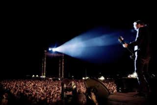 Roskilde Festival 2007. Kristian Riis i spotlyset da Nephew stod for festen på Orange Scene fredag nat.