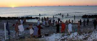Gad vide om man kan nyde udsigten ved Skagen Vinterbaderfestival, når man samtidig bader i iskoldt vand?