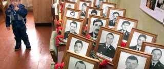 118 sømænd døde i den katastrofe, der for alvor blev Putins første store politiske krise.