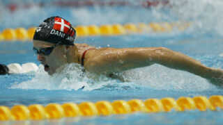 Mette Jacobsen var i mange år den danske svømmer, der havde vundet fleste EM- og VM-medaljer. Men hun er nu overgået af Jeanette Ottesen.
