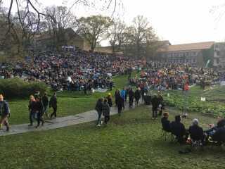 Allerede klokken 6 i morges sad tusindvis af tilskuere klar til årets kapsejlads.