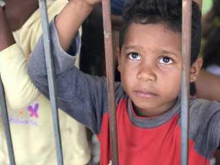 Familier, som for få år siden havde hvad de havde brug for i Venezuela, har følt sig nødsaget til at flygte væk. Galoperende madpriser gør det for svært at leve i hjemlandet.