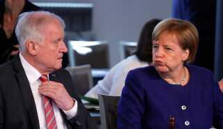 Angela Merkel afviste sidste år Horst Seehofer og CSU's udspil til en asylpakke, hvilket førte til en mindre krise i den tyske regering.