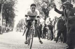 Ved VM vandt Henry Hansen guld i landevejsløbet i 1931, hvor København var værtsby.