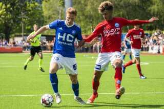 Fremad Amager og Silkeborg IF er to af de klubber i 1. division, hvis skæbne skal besegles i løbet af lørdagen.