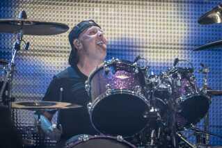 Metallicas danske trommeslager, Lars Ulrich, på scenen i Parken i går.
