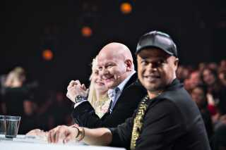 Remee og Thomas Blachman ved dommerbordet i sidste sæson af X Factor.