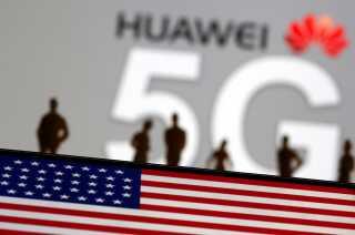 Huawei fik kastet negativt lys på sig efter af telegiganten fik forbud mod at udrulle deres 5G-netværk i lande som Australien og USA. Danmark har ikke forbudt Huawei, men har i stedet givet 5G-kontrakten til Ericsson. Forbuddene skete på mistanke om muliggørelse af spionage.