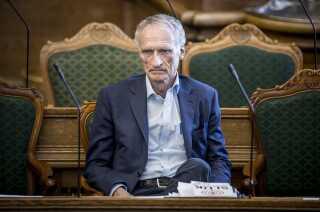 Bertel Haarder (V) vil overtage formandsposten i Folketinget, hvis der ikke er fundet en anden inden den 20. juni. Haarder er nemlig lige nu den, der har siddet længst tid i Folketinget.