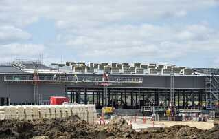 Byggeriet af Apples nye datacenter ved Foulum nær Viborg er i fuld gang. Desuden er der planer om et datacenter i Aabenraa, hvor Apple har købt en stor grund.