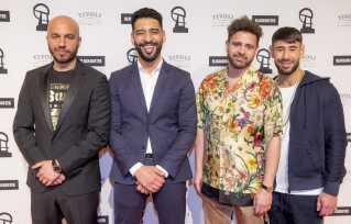 Dulfi Al-Jabouri - her i det blå jakkesæt - er efterhånden vant til den røde løber. Her ses han sammen med sine 'Underverden'-kolleger, hovedrolleindehaver Dar Salim, instruktør Fenar Ahmad og skuespiller Ali Sivandi.