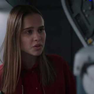 Clara Rugaard er i filmen blevet opfostret af en robot.