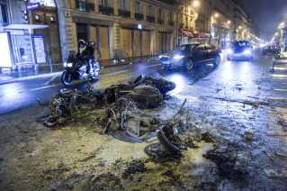 Ifølge fransk politi var 'De gule veste' blevet kapret af ekstreme typer fra både højre- og venstrefløjen, der benyttede lejligheden til at skabe anarki.