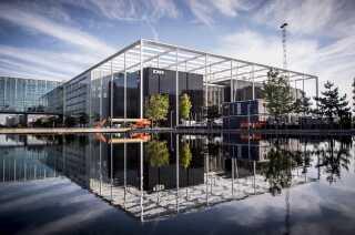 DR Byen i København er et af de steder, hvor folk mødes.