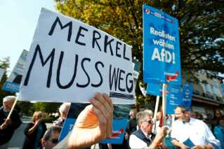 Utilfredsheden over Merkels udlændingepolitik er vokset og har sendt CDU's vælgere til det indvandringskritiske Alternative für Deutschland.