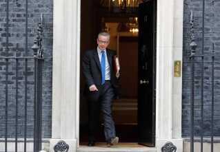 Michael Gove er blevet siddende som miljøminister i Mays ustabile regering, der på blot tre år ved magten har mistet 36 ministre.